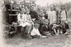 II wojna światowa, Nauczyciele i uczniowie, ok. 1943 r.