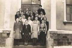 II wojna światowa, Grupa kobiet z księdzem