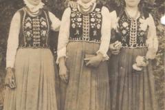 Fotografia w strojach regionalnych, Ok. 1920 r.