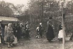 II wojna światowa, Pogrzeb, 1944 lub 45 r.