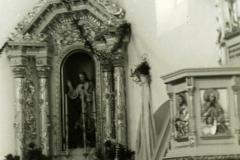 Ołtarz boczny nowego kościoła tuż po poświęceniu kościoła