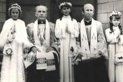 I Komunia rocznik 1977 z ks M. Wolakiem i ks St. Janickim