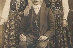 Franciszek Matyjasik z siostrami